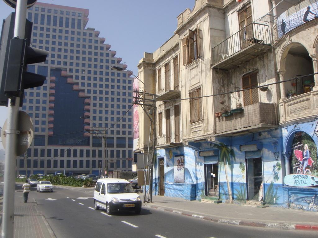 news 1 tel aviv surf negozio 3